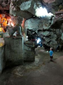 ChiangDao_Caves
